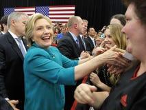 总统候选人希拉里・克林顿竞选在Oxnard,加州a 免版税库存照片
