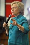 总统候选人希拉里・克林顿竞选在Oxnard,加州a 库存照片