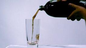 倾吐的黑暗的可乐 股票视频
