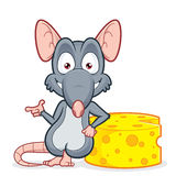 倾斜在乳酪的鼠 图库摄影