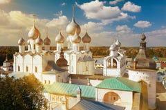 假定复活的大教堂和教会在罗斯托夫Kr 免版税图库摄影