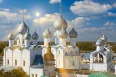 假定复活的大教堂和教会在罗斯托夫Kr 免版税库存照片