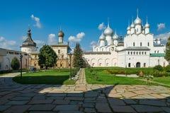 假定复活的大教堂和教会在罗斯托夫Kr 库存照片