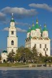 假定的大教堂的看法和钟楼 库存照片