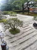 假山花园,有竹水路的 库存照片
