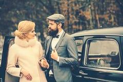 假日和情人节概念 假日在爱的夫妇 库存照片