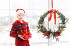 假日圣诞节内部的小孩 免版税库存图片