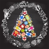 假日圣诞节和新年卡片模板 与手拉的标志的传染媒介海报 礼物盒形式圣诞树 免版税库存图片