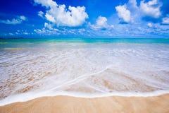 假日夏天海滩背景  免版税库存照片