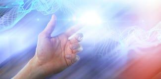 假装人的手的综合图象接触一个无形的屏幕 免版税库存图片
