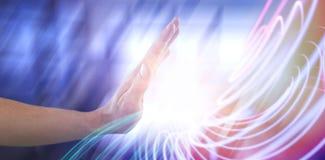 假装人的手的综合图象接触无形的屏幕 库存照片