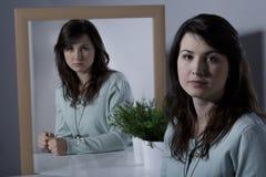 假装安静的妇女 免版税图库摄影