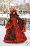 假装的人-阿讷西威尼斯式狂欢节2013年 免版税库存照片