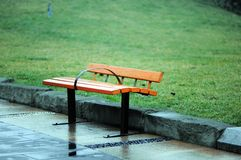 偏僻的椅子 免版税图库摄影