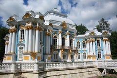 偏僻寺院亭子在Tsarskoye Selo 免版税库存图片