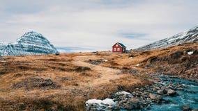 偏僻的冰岛议院 免版税图库摄影