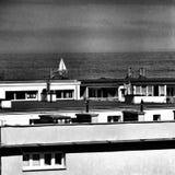 偏僻的游艇 在黑白的艺术性的神色 免版税库存照片