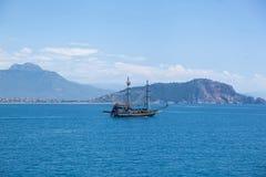 偏僻的船 免版税库存照片