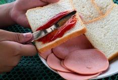 做三明治 免版税库存照片