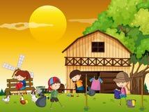 做不同的差事的孩子在农场 库存例证
