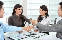 做交易的企业小组 免版税库存照片