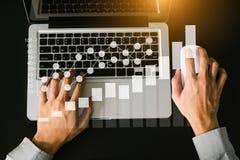 做介绍的数字销售的事务 免版税库存图片