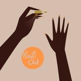 做修指甲的妇女,应用指甲油 免版税图库摄影