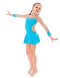 做健身锻炼的儿童女孩 免版税库存照片