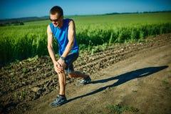 做准备在跑步前的人赛跑者 库存照片