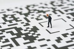 做出解答的一个决定企业想法概念的, miniatur 免版税库存照片