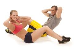 做咬嚼的夫妇健身 免版税图库摄影