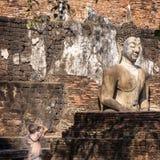 做图片的游人在Sukhotai历史公园 库存照片