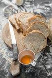 做在土气样式的面包,不同的种类小圆面包  免版税图库摄影