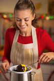 做在巧克力釉的主妇苹果 免版税库存图片