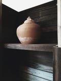 做在泰国的传统泥罐由专业黏土 免版税图库摄影