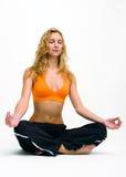 做女子瑜伽年轻人的执行 库存图片