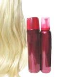 做奶油甜点的发型头发喷洒通知 免版税库存照片