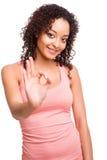 做好标志的美丽的非洲的妇女 免版税库存图片