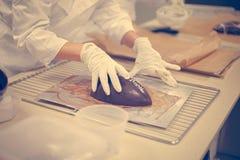 做巧克力 巧克力工厂 免版税图库摄影