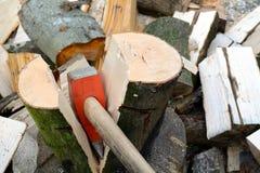 做木柴 免版税库存照片