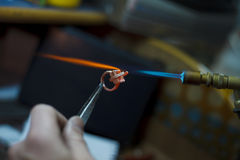 做特写镜头细节的Ewelry生产 免版税图库摄影