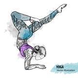 做瑜伽的女孩的手剪影 传染媒介体育例证 库存照片