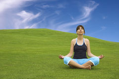 做瑜伽 免版税库存照片