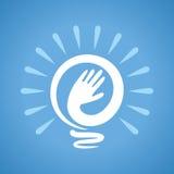 做电灯泡,想法的人手 免版税库存图片