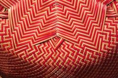 做的篮子商店 有许多由竹子制成的种类篮子 篮子手工制造泰国柳条 它是被编织的竹纹理 免版税库存照片
