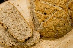 做自创圆的面包 库存照片