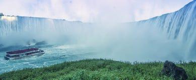 做薄雾在尼亚加拉瀑布 免版税库存照片