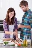 做薄饼的婚姻 免版税图库摄影