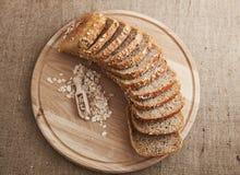 做面包的粮谷切全部 库存图片
