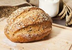 做面包的粮谷有组织的整体 库存图片